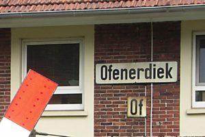 Bahnübergang am ehemaligen Bahnhof Ofenerdiek